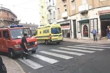 Taxista atropela mãe e filho e foge do local