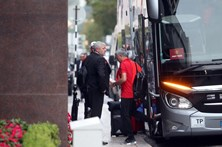 Manchester United teve chegada acidentada a Lisboa