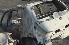 Pelo menos 10 carros queimados em estrada junto a Oliveira do Hospital