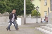 210 mil euros escondidos em sacos de plástico