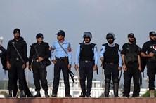 Pelo menos seis mortos em atentado contra a polícia no Paquistão