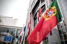 Comissão Europeia coloca bandeiras a meia haste para homenagear vítimas dos incêndios