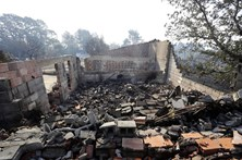 Número de mortos nos fogos sobe para 44