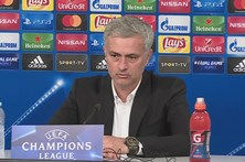 José Mourinho elogia Svilar