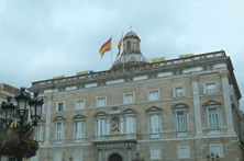 Governo espanhol admite suspender autonomia da Catalunha