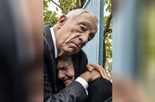Abraço de Marcelo a vítima dos fogos corre o mundo