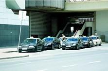 Agridem e roubam taxistas em Lisboa