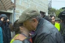 Vítimas dos incêndios pedem ajuda na reconstrução das habitações