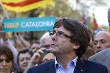 Puigdemont acusa Rajoy de se comportar como o ditador Franco