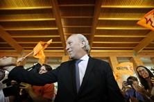 Santana Lopes diz que concorre à liderança do PSD