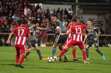 Veja o resumo do Desportivo das Aves 1 - 3 Benfica