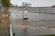 Chuvas torrenciais e ventos fortes atingem Reino Unido