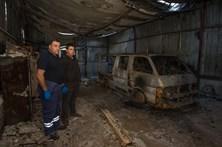 Família de bombeiros perde tudo no combate