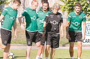 Equipa do Sporting imune ao presidente Bruno de Carvalho