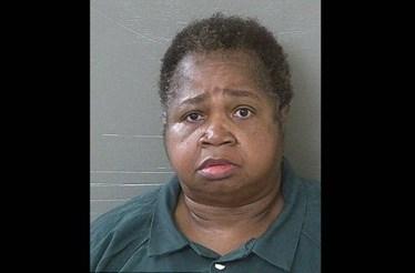Mulher de 150 quilos mata menina ao se sentar em cima dela