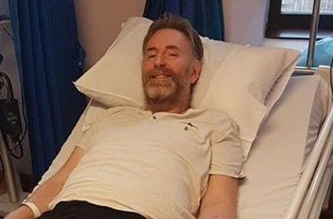 Fica sem pernas após visita ao hospital com sintomas de gripe