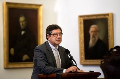 ERC deixa passar negócio da TVI por falta de acordo