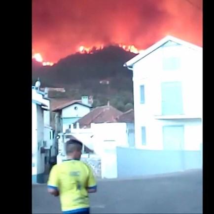 Incêndio cercou a aldeia de Pomares, em Arganil
