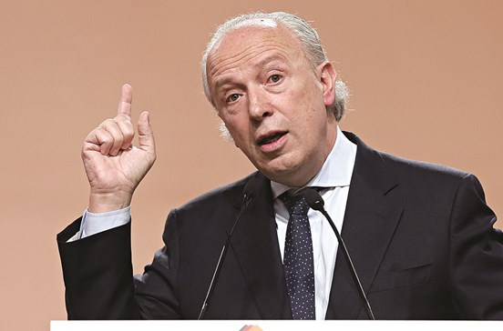 Santana Lopes apresenta em Santarém candidatura à liderança do PSD