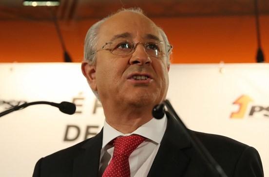 Rui Rio rejeita proposta de Santana Lopes para 20 debates