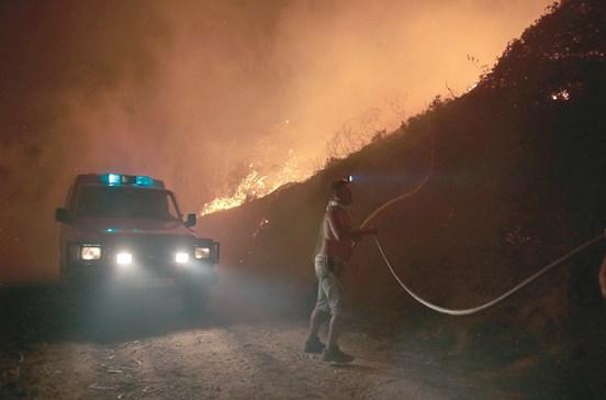 36 mortos e menos 3422 bombeiros na luta