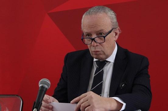 Santana Lopes defende saída da ministra da Administração Interna