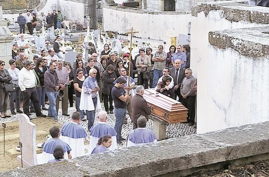 Morre a tentar salvar os cães em Oliveira de Frades