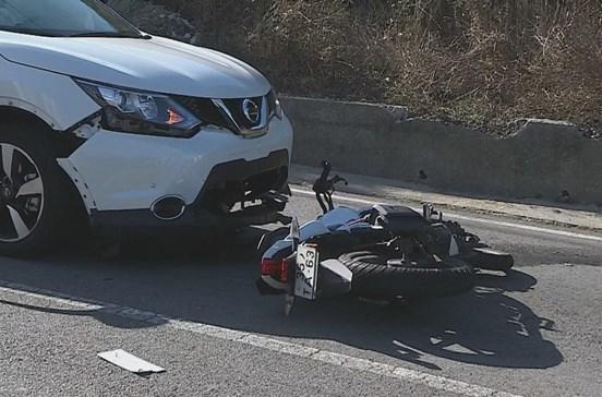 Colisão entre carro e mota faz um morto em Aveiro