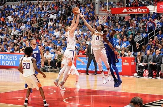 Phoenix Suns despedem treinador após três derrotas consecutivas no início da NBA