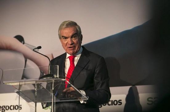 """Elevada dívida pública """"é preocupante"""" e Portugal já devia ter excedente"""