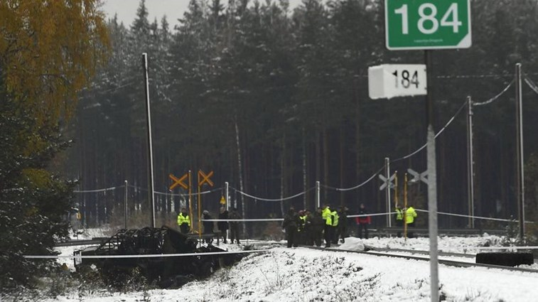 Quatro mortos em acidente com comboio na Finlândia