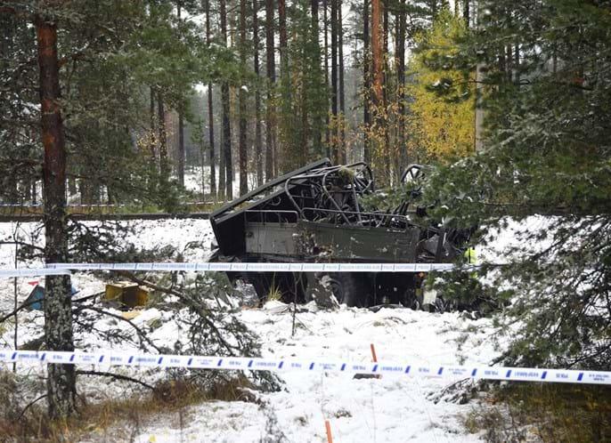 Colisão entre comboio e camião faz vários mortos — Em atualização Finlândia