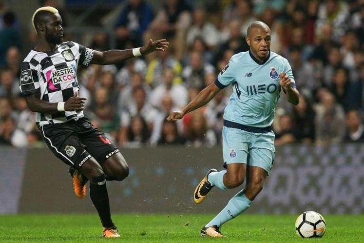FC Porto derrota Boavista (2-0) e segura liderança
