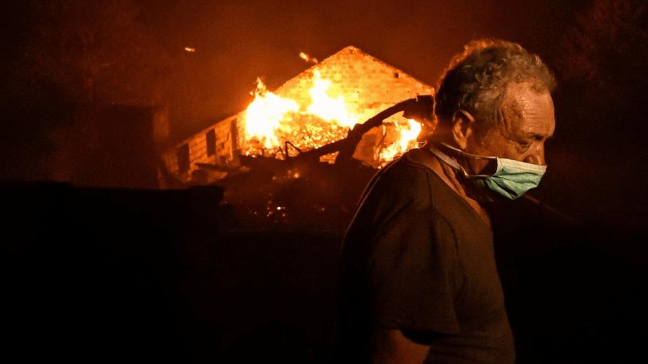 """Fogos do """"pior dia do ano"""" mataram 36 pessoas"""
