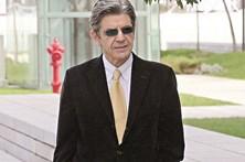 MP pede três anos e quatro meses de pena suspensa para Carrilho