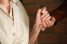 Portugueses publicam estudo pioneiro sobre forma pouco conhecida de demência
