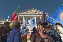 Governo e professores chegam a compromisso após 10 horas de reunião