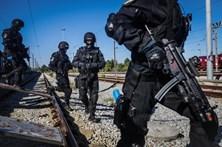 GNR e PSP treinam resgate de reféns em comboio