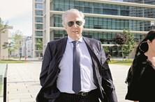 Orlando Figueira perde fortuna e requer advogado ao Estado