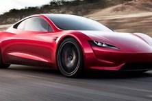 """Tesla lança desportivo para """"rebentar"""" com tudo e todos"""