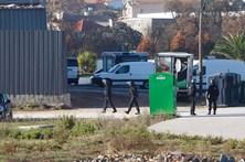 Barricado em supermercado entrega-se às autoridades