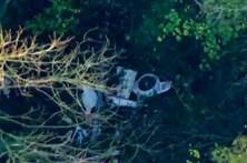 Choque de avião e helicóptero em pleno voo faz três mortos