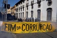 Parlamento regional do Rio de Janeiro manda soltar deputados presos por corrupção