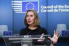 União Europeia e Irão prosseguem diálogo sobre acordo nuclear