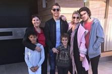Dolores Aveiro partilha foto em família sem Georgina