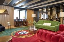Hotel usa bandeira nacional como tapete