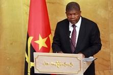 Presidente de Angola muda chefias militares com 19 exonerações