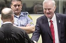 Mladic condenado a prisão perpétua