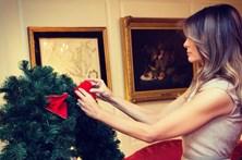 Melania Trump mostra preparativos para o Natal na Casa Branca
