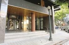 Dejetos de rato causam indignação em tribunal